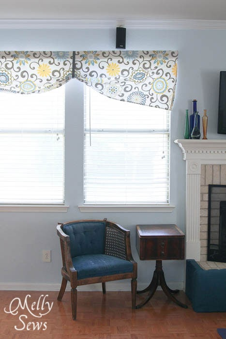 Simple Valance by Melly Sews