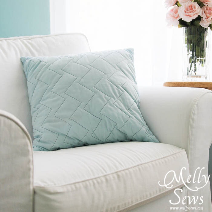 Irregular zig-zag quilted pillow Tutorial by Melly Sews