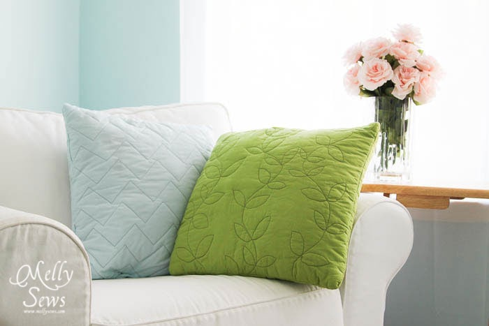 Modern and easy quilted pillows by Melly Sews