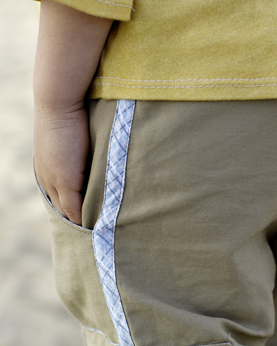 Bias tape detail on Coastal Cargos pattern by Blank Slate Patterns