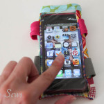 Close up DIY armband for touchscreen devices - a tutorial by Melly Sews