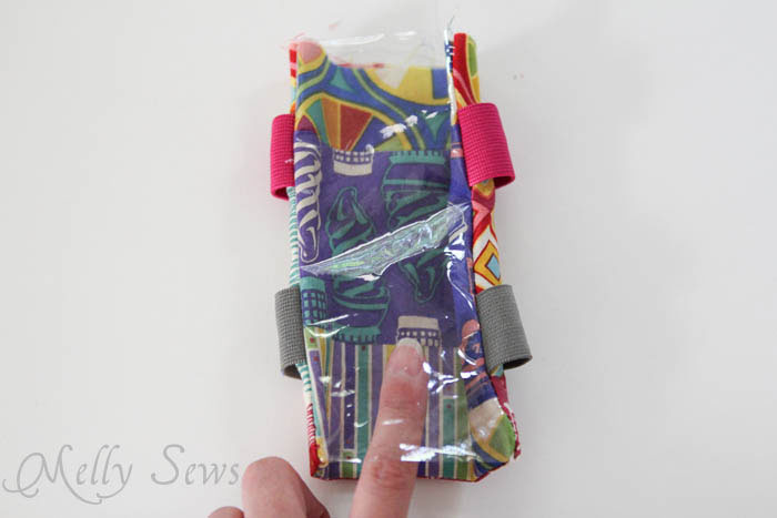 Step 4 DIY armband for touchscreen devices - a tutorial by Melly Sews