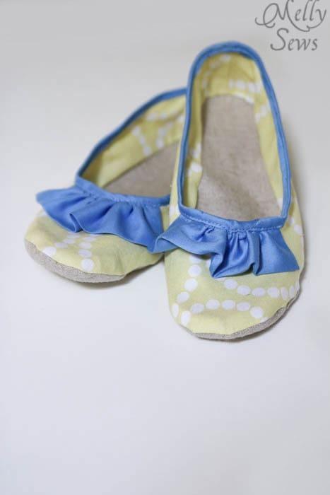 So pretty Sew Ruffled Slippers Tutorial - Melly Sews