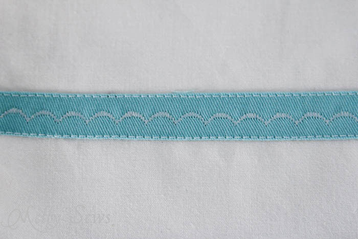 Decorative stitching on Marker inspired zip pouch - Melly Sews