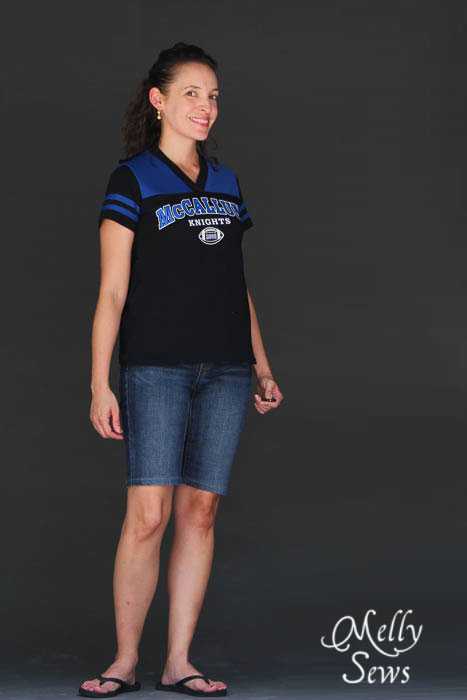 I need to make this Football Jersey Tutorial with Free Pattern by Melly Sews