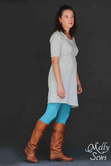 Learn how to fit a raglan sleeve dress - Melly Sews