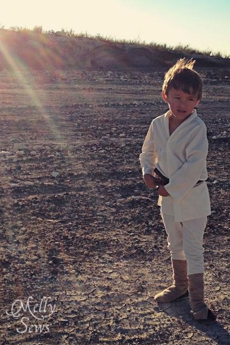 Could be from the movie - Luke Skywalker Belt Tutorial - Melly Sews #sewing #Halloween #kids #diy