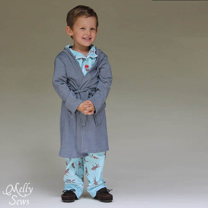 This is just precious - Sleepy Robe - Free Pattern and Tutorial for Children's Robe Sizes 18m-8 - Melly Sews#sewing #kids #tutorial #diy
