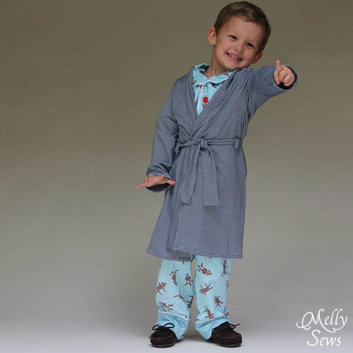 You know you want it - Sleepy Robe - Free Pattern and Tutorial for Children's Robe Sizes 18m-8 - Melly Sews#sewing #kids #tutorial #diy
