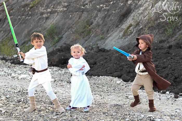 So cute! Luke Skywalker Belt Tutorial - Melly Sews #sewing #Halloween #kids #diy