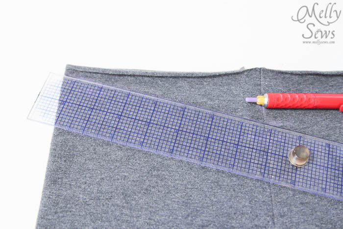 Step 2-1: Yoga waist tutorial - http://mellysews.com