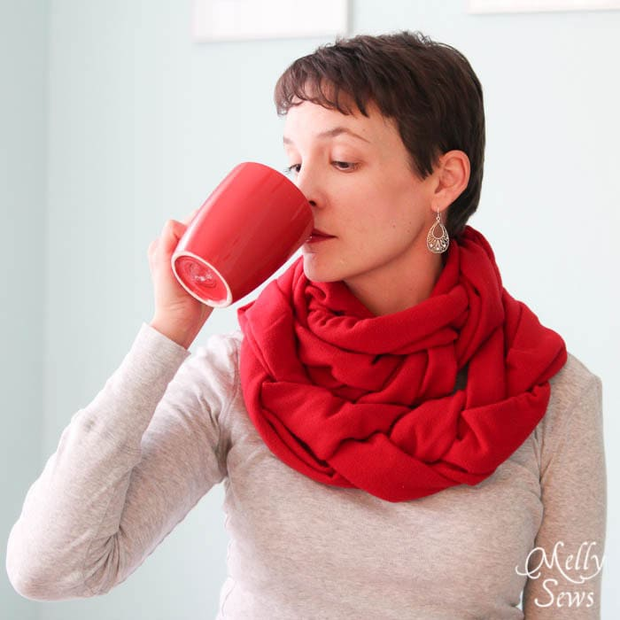 Stay warm with a hot drink and this Braided Fleece Cowl Tutorial - Melly Sews #diy #sewing #holiday #gift