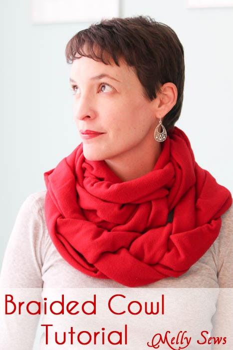 Braided Fleece Cowl Tutorial - Melly Sews #diy #sewing #holiday #gift