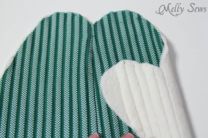 Quilting - Potholder tutorial with free pattern - Melly Sews
