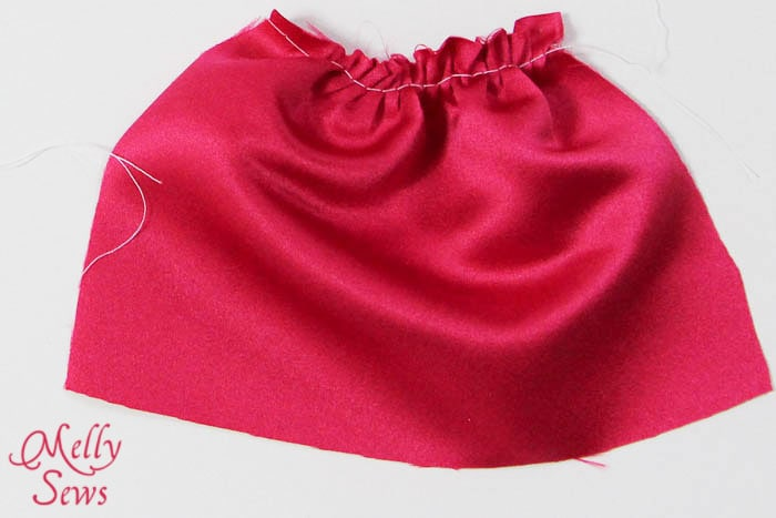 Ruffle foot fabric gathering method - Melly Sews