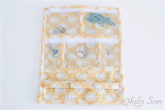 Separate pockets in Jewelry Travel Bag - Melly Sews