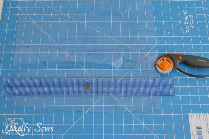 Tips for sewing vinyl - use a rotary cutter - mellysews.com