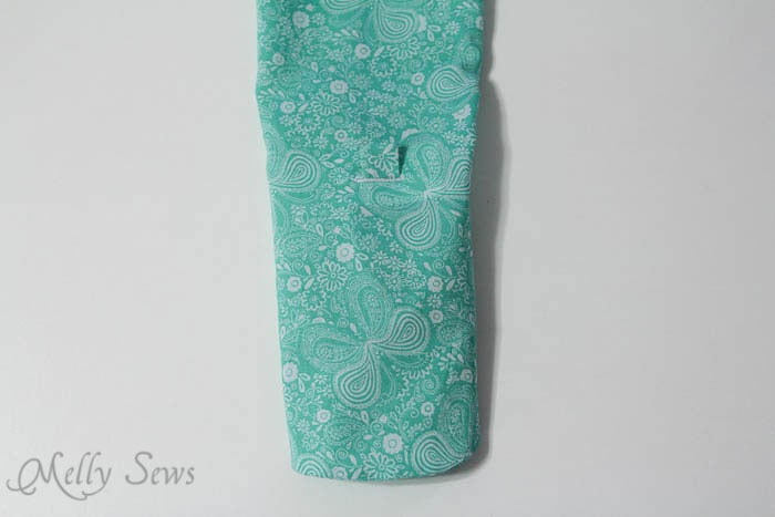Gathering sleeve through tab - Melly Sews How to Make a Bow Sleeve #sewing
