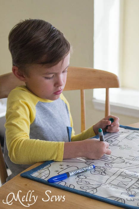 Fun for kids and practical too! How to Make Re-usable Dry Erase Placemats for Kids - MellySews.com