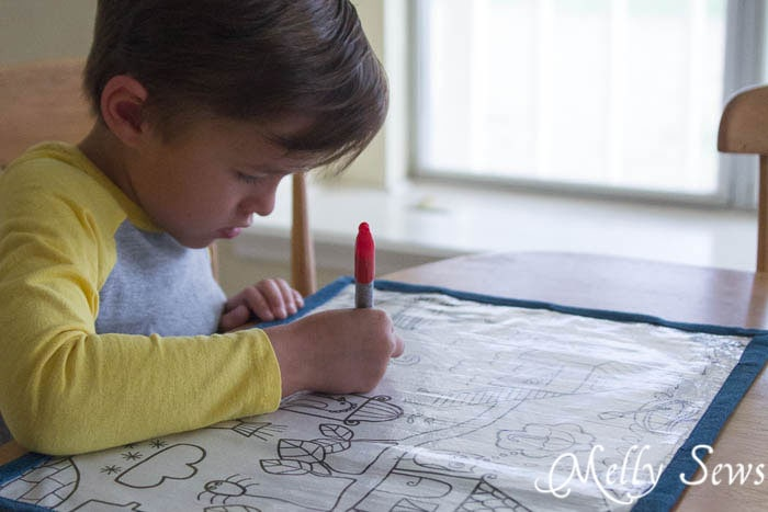 Keep your kids at the table while you cook - How to Make Re-usable Dry Erase Placemats for Kids - MellySews.com