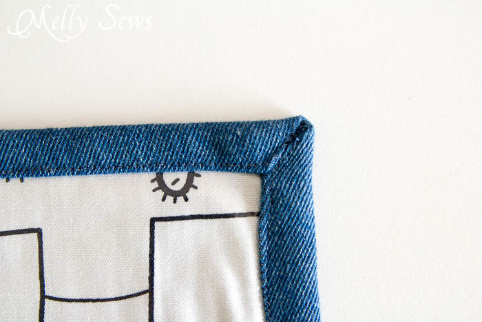 Sew a mitered corner