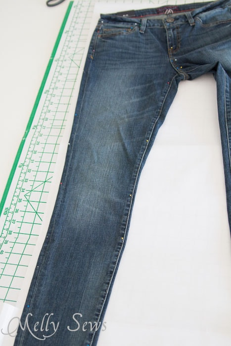 How to make a pattern from your jeans -  http://mellysews.com