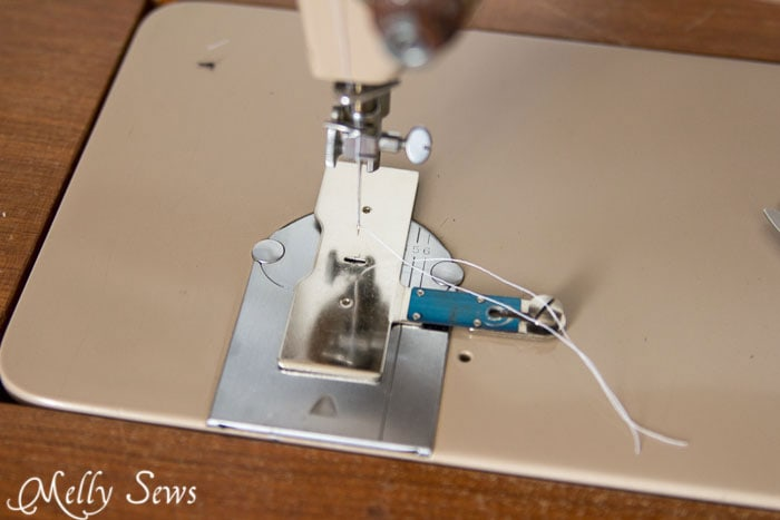Plate to cover feed dogs - How to Sew Buttonholes - http://mellysews.com