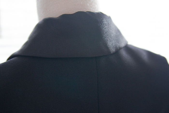 Collar Back - How to Sew a Shawl Collar - http://mellysews.com