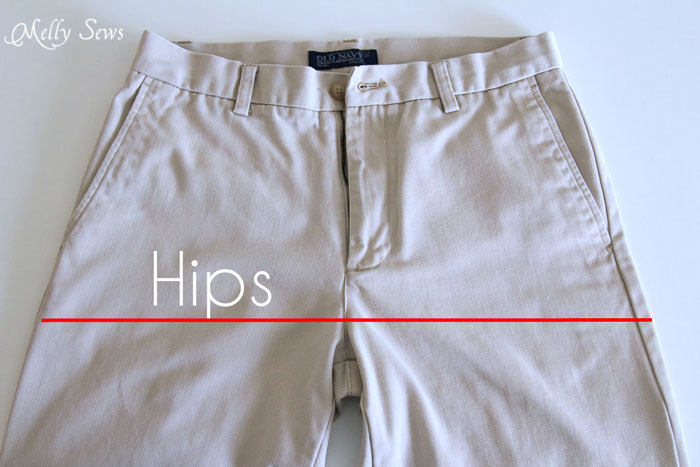 Get measurements from pants - How to draft mens shorts pattern - https://mellysews.com