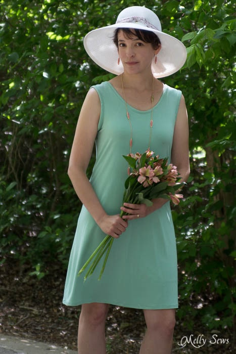 Coral Flowers and mint green dress - perfect style! - mellysews.com