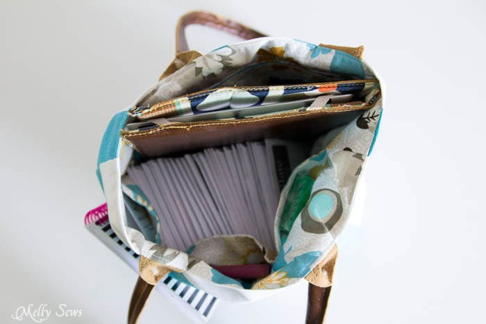 An easy to sew tote that keeps everything you need close at hand - Melly Sews