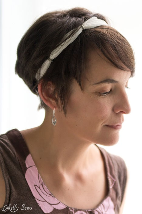 Pretty bohemian vibe - Beaded Gauze Headband Tutorial - Melly Sews