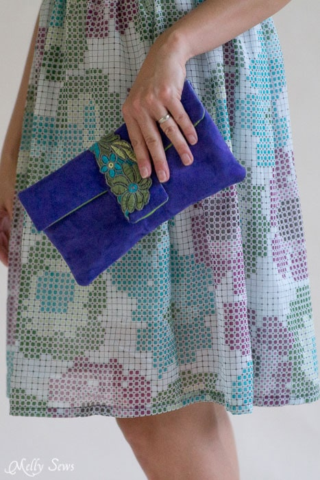 So cute - must make! Suede Clutch Tutorial with free pattern - Melly Sews