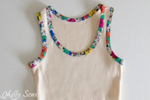 Love this trim technique - Bias Trim Tank Top Tutorial with free pattern - Melly Sews