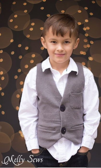 Edited photo - How to get twinkle light bokeh for holiday photos - Melly Sews