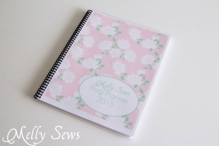 Make your own blog planner - use free printable pages - Melly Sews