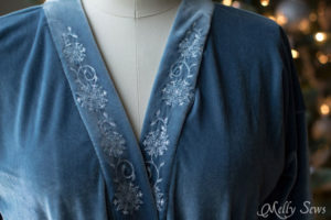 Close up - Sew a robe - This sumptuous robe can be made in any size from rectangles! Get the full tutorial at Melly Sews