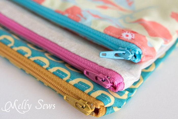 How to Sew a Zipper Pouch Tutorial - Melly Sews