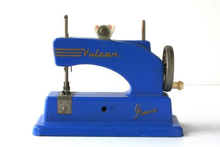 Vulcan Junior Toy Sewing Machine