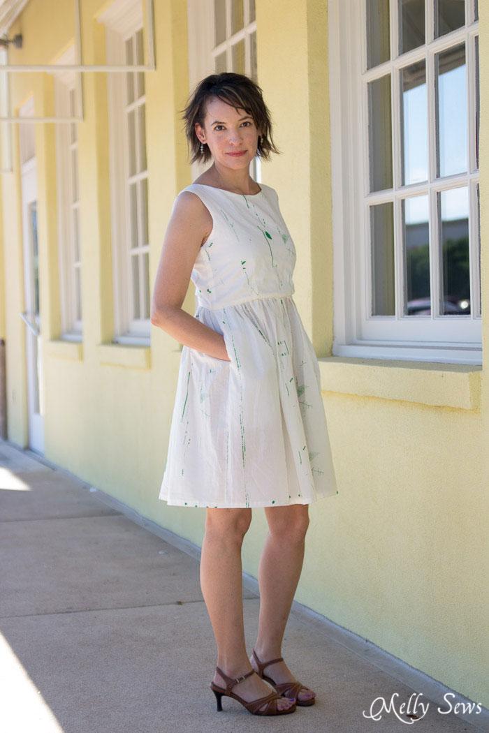 All dresses should have pockets! Make a boatneck sundress with this pattern hack - 30 Days of Sundresses - Melly Sews  - bateau neck dress - ballet neckline dress