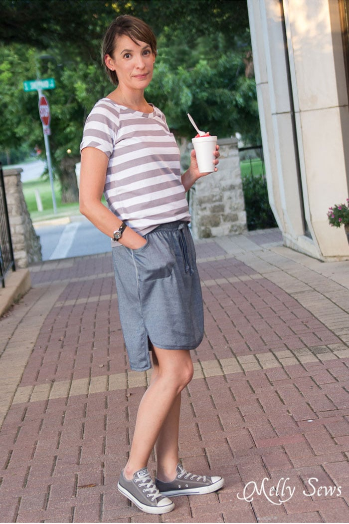 Love this! Must sew - Chambray High Low Skirt Tutorial - Melly Sews