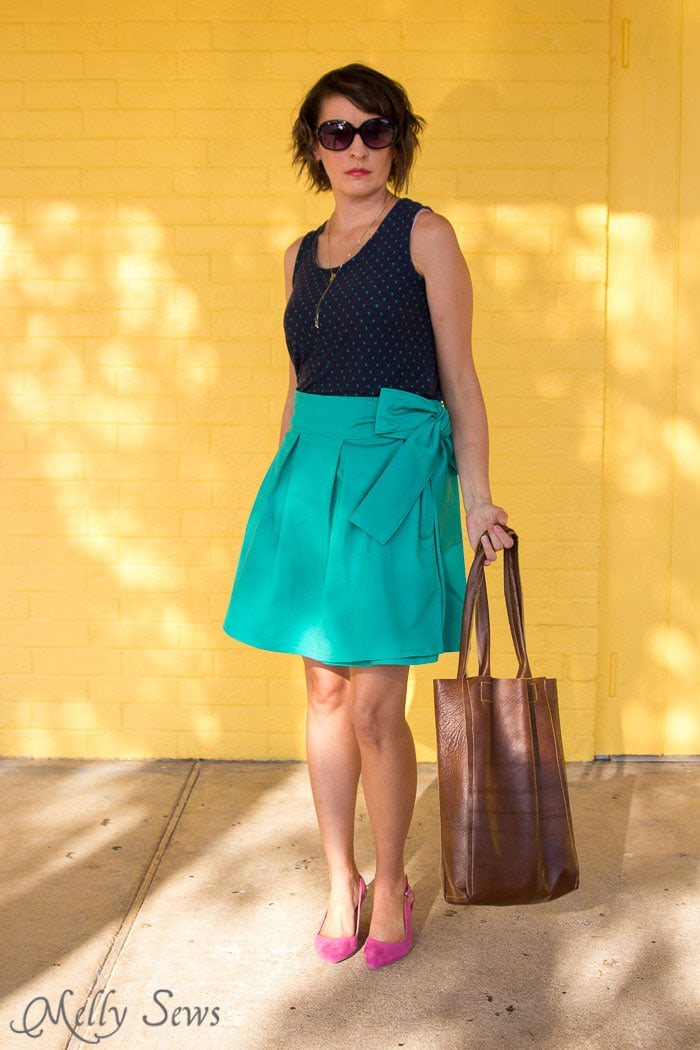 Love this look - navy tank, DIY pleated wrap skirt, leather bag and slingback heels - DIY Pleated Wrap Skirt - Sew a Pleated Mini Skirt with this easy tutorial - no buttons or zippers needed! - Melly Sews