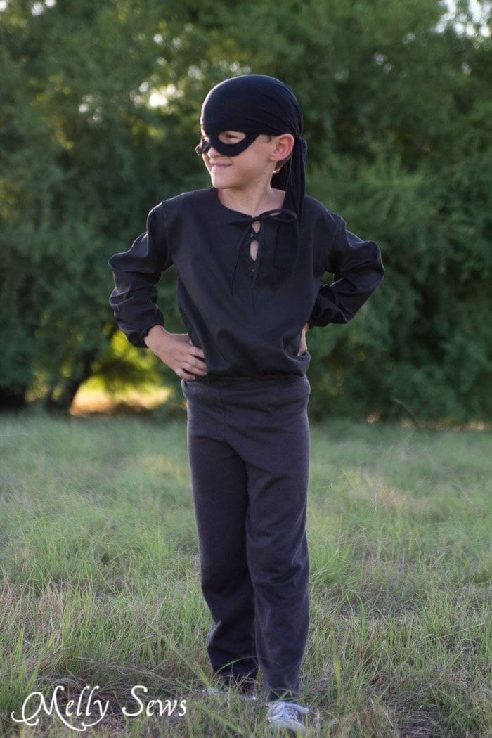 PIrate Costume - Free pattern to make a pirate shirt - perfect for Westley from The Princess Bride - Melly Sews