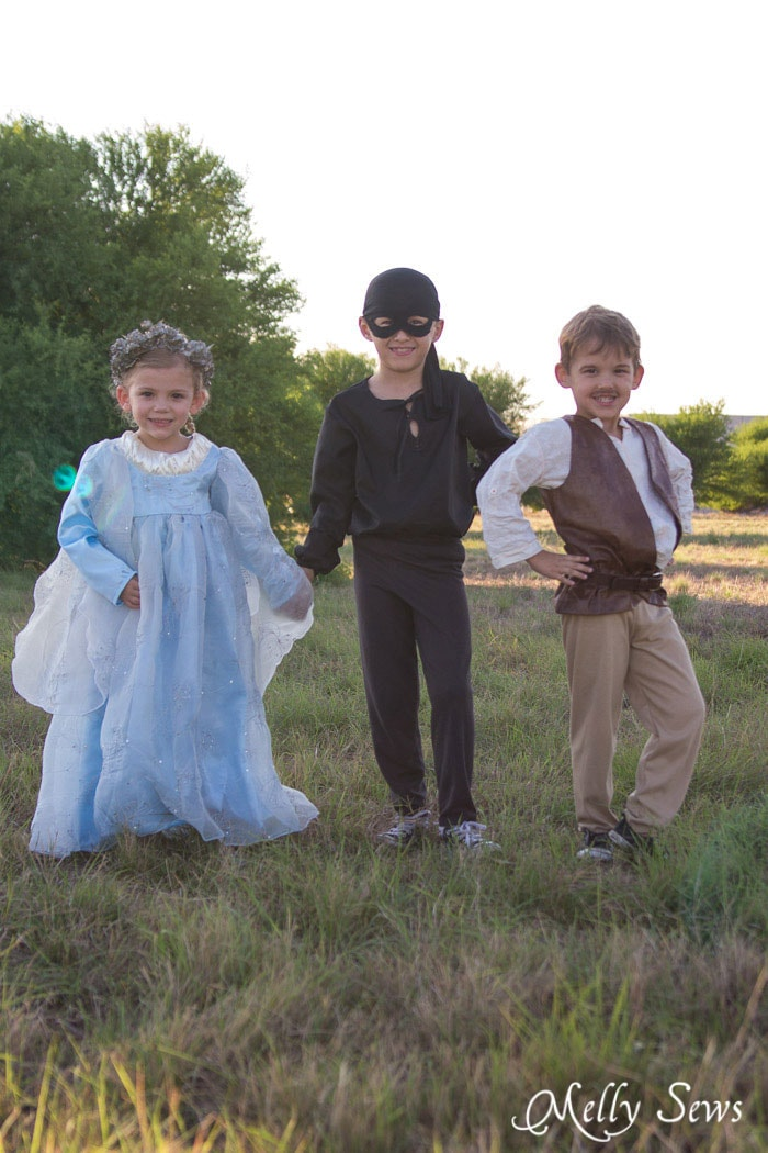 Dying of cuteness! Kids Princess Bride Costumes - Princess Buttercup Wedding Dress, Wesley the Dread Pirate Roberts Costume, and Inigo Montoya Costume - Melly Sews