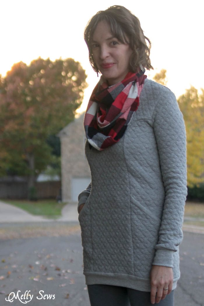 Denver Tunic by Blank Slate Patterns and flannel scarf - DIY Fashion - Melly Sews