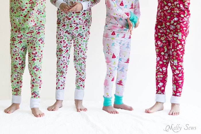 Kids in pajamas - DIY Sew knit kids Christmas pajamas - with FREE pattern! - Melly Sews