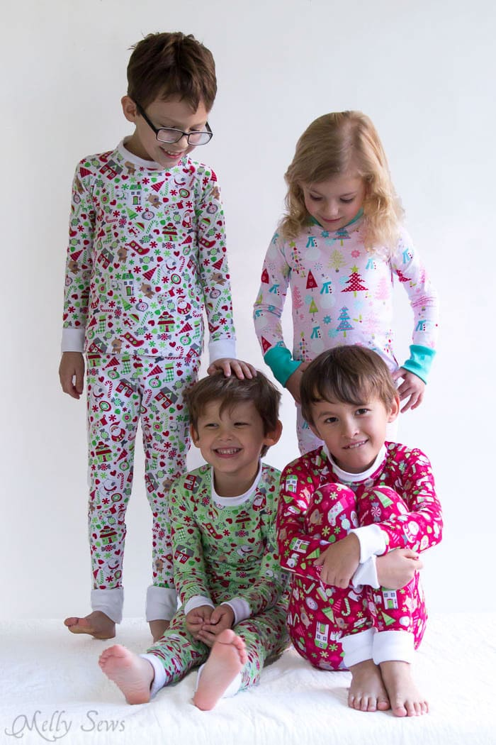 DIY Christmas Pajamas - Sew pajamas with this FREE pattern - Melly ...