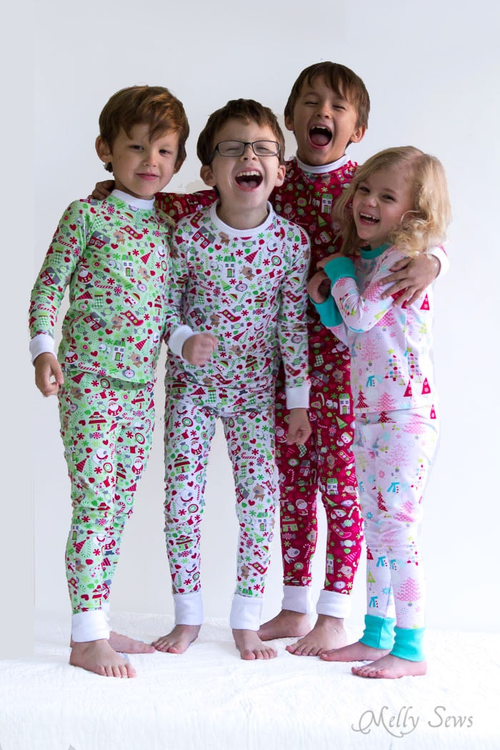Group pajama hug! DIY Sew knit kids Christmas pajamas - with FREE pattern! - Melly Sews