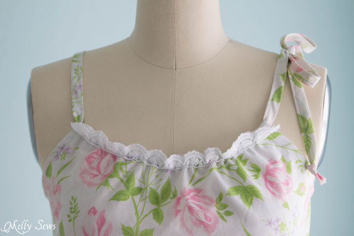 Neckline Detail - Sew Pillowcase Top Pajamas - DIY sewing tutorial from a vintage sheet - Melly Sews