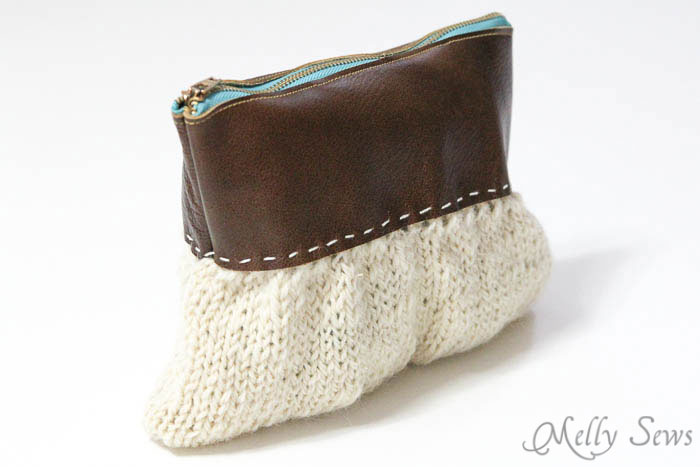 Love this! Make a knit and leather zipper pouch - combine sewing and knitting in this modern DIY clutch - Melly Sews